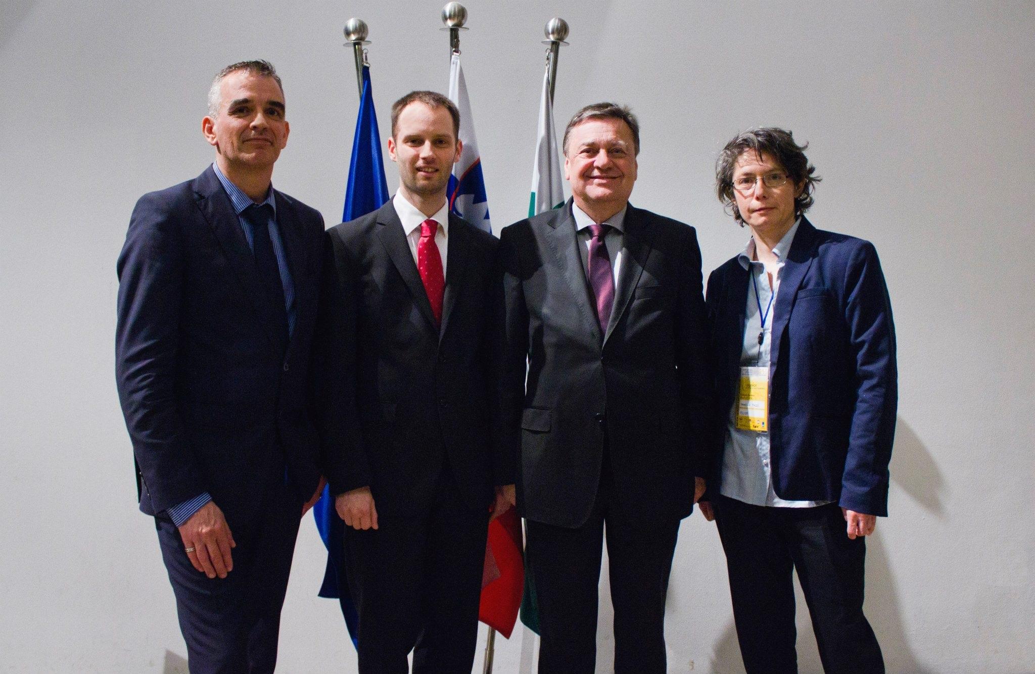 EGLSF prezidentas Klaus Heusslein, konferencijos organizatorių atstovas Andrej Pišl, Liublianos meras Zoran Jankovic, EGLSF prezidentė Armelle Mazé šventinio mero priėmimo metu Nacionaliniame muziejuje