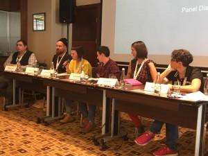 """LGL komunikacijos koordinatorė Eglė Kuktoraitė pristato LGL tyrimo rezultatus """"ILGA-Europe"""" konferencijos metu"""