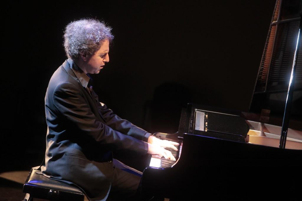 Pianisto Nicolas Stavy pasirodymas apdovanojimų metu