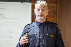 Stokholmo apskrities policijos Neapykantos nusikaltimų padalinio inspektorius ir Švedijos LGBT policijos asociacijos įkūrėjas Göran Stanton