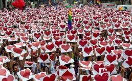 Certi_Diritti_same-sex_marriage_rally_in_Italy_insert_courtesy_Yuri_Guaiana_of_Certi_Diritti