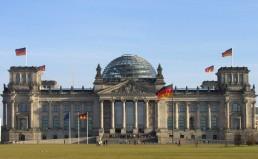 Der_Deutsche_Bundestag_Plenarsaal-Gebaude_Reichstagsgebaude_Platz_der_Republik_Berlin_-_Foto_2009_Wolfgang_Pehlemann_Steinberg_DSCN9832